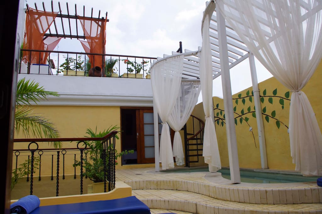 Pool and Terraza