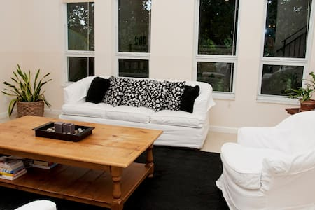 Townhouse close to port and beach! - Fort Lauderdale - Ház