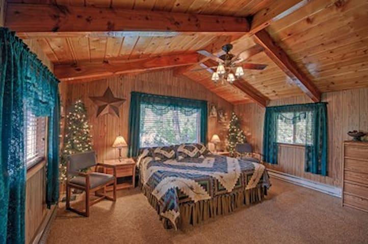 Yellowstone Cabin Room
