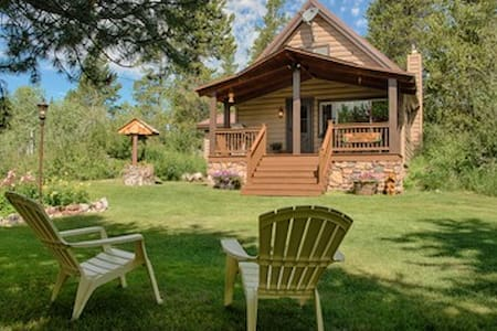 Yellowstone Cabin Vacation Rental - Kisház