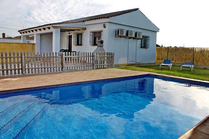 Oil Creek,villa with pool and garde - Conil de la Frontera - Hus
