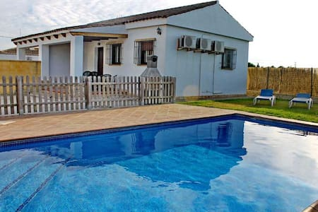 Oil Creek,villa with pool and garde - Conil de la Frontera - Haus