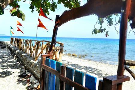 Beach guest house for 4 pax - Bayan ng San Juan - 宾馆