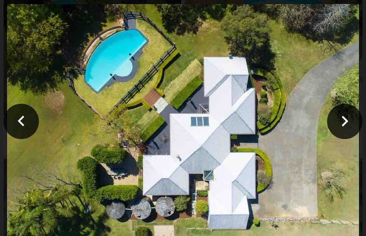 Sunny Ridge - Hamptons Country Homedtead. FOR SALE