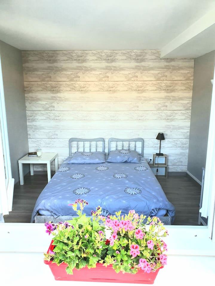 Chambre dans maison entre Noyon et Compiègne
