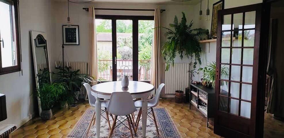 Chambre dans villa au calme