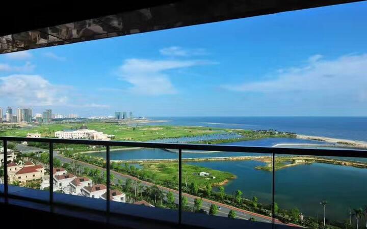 无敌海景房,超大阳台,海滨高尔夫双景观,私属海滩