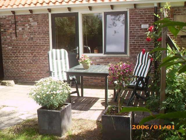 B&B taniaburg,leeuwarden room 3 - Leeuwarden - Bed & Breakfast