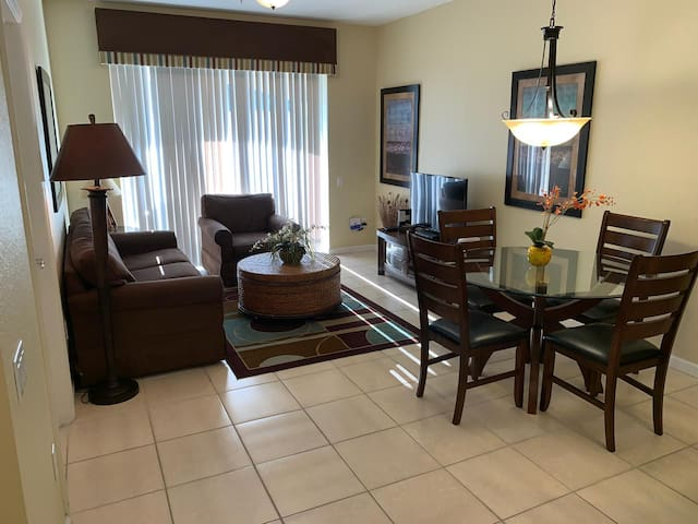 2/2 Vista Cay OCCC ORL EYE great reviews nice home