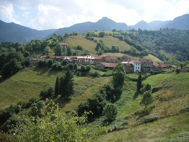 Apparment for 2 people in Asturias - Asturias - Leilighet
