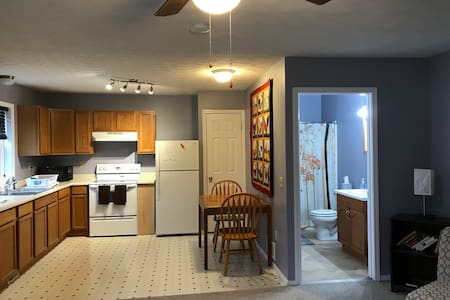 Country Escape: Peaceful Honeoye Falls Apt.