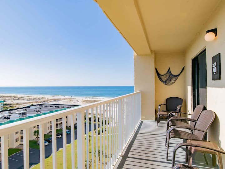 Beach View Private Condo. Just Steps to the Sand!