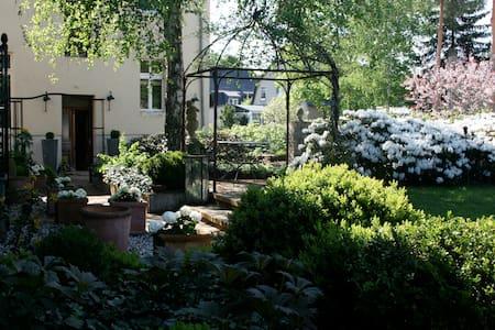 Wohnung mit Garten am Rande Berlins - Erkner - Apartamento