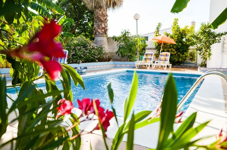 Private Villa Maria, Costa del Sol - Coín - วิลล่า