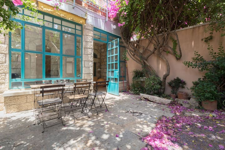 Beautiful spacious house in Ein Karem