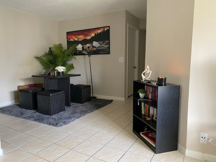 Deerfield beach apartment guest room.