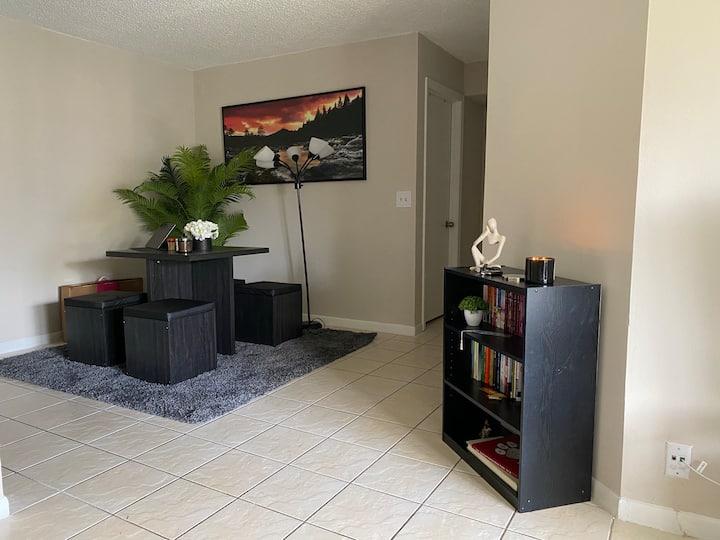 Deerfield beach apartment guest room.