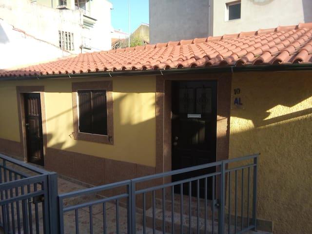 Casa amarela - Mirandela - House