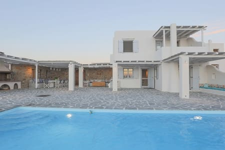 Villa Galani  close to Glyfada beach - Naxos