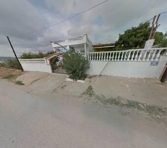 μονοκατοικία στην Σαλαμίνα - Nisi - Haus