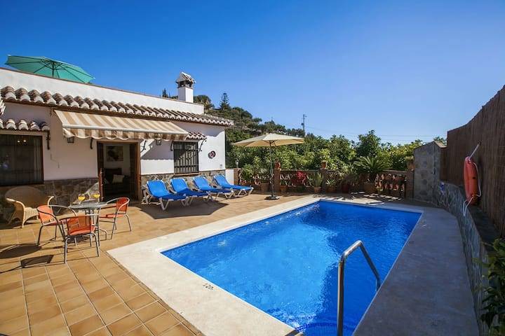 Lovely cottage with airconditioning in Nerja