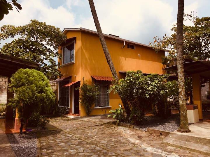 Apartamentos Livana 2