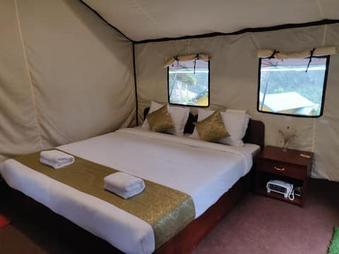 OurGuest Camp Lachung (Breakfast, Dinner included)