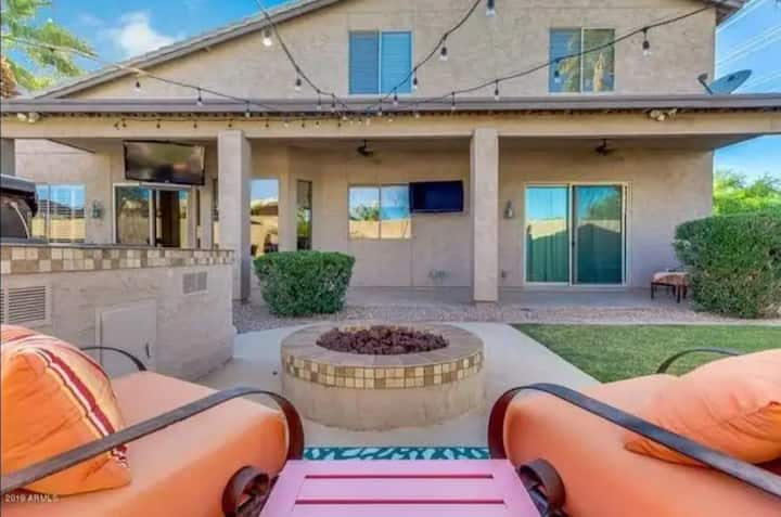 Tranquil Luxury in Safe & Quiet Gilbert!