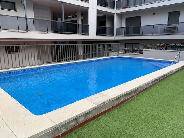Acogedor apartamento con piscina en l'Ampolla