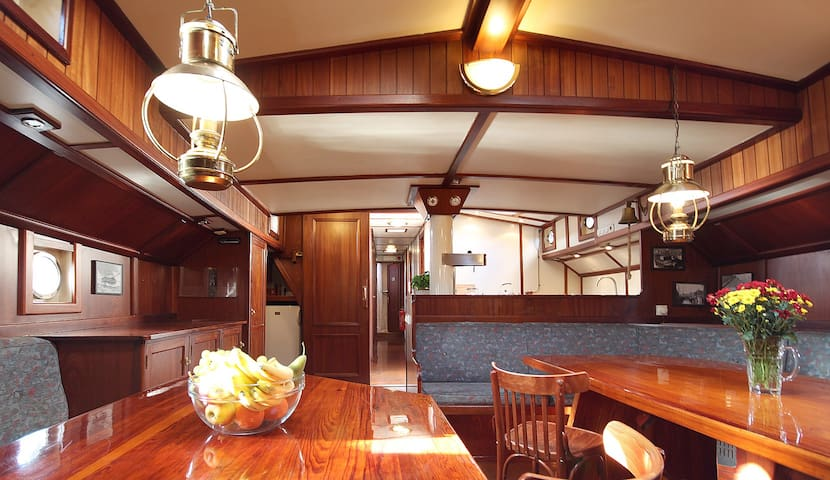 4 Bed Cabin on Sailing Ship in Enkhuizen (Nr.1) - Enkhuizen - Boot