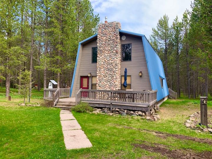 Bison Head Cabin+Hot Tub+Wifi+Close to Yellowstone
