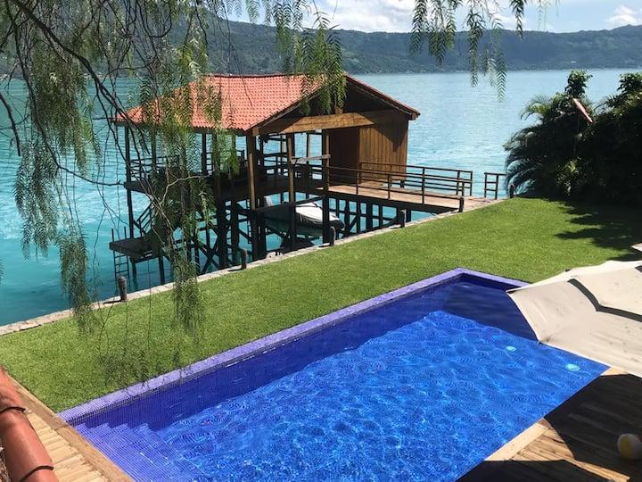 Lago de Coatepeque, Isla Teopan