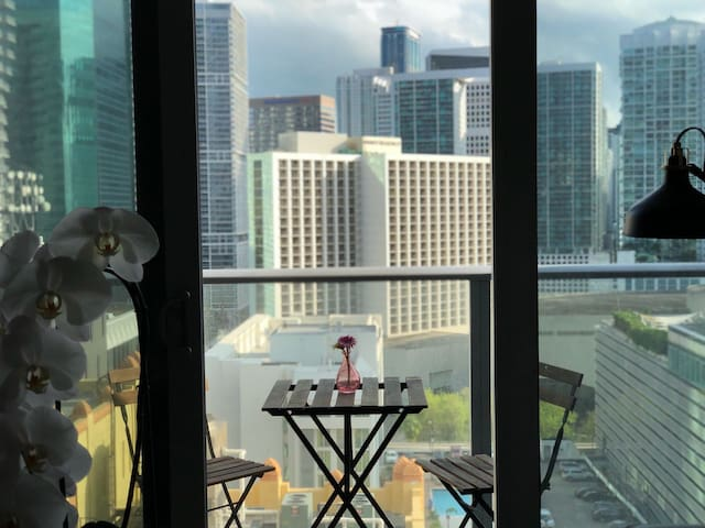 Luxury Loft in The Heart of Downtown Miami w Views