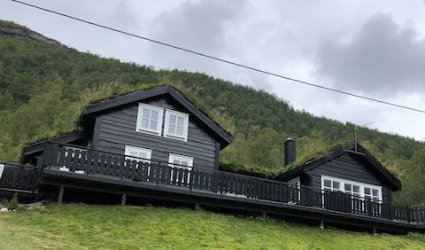 Stor og koselig hytte på Steinset