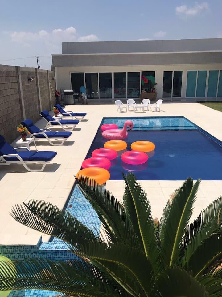 Casa de playa Sabanilla excelente ubicación