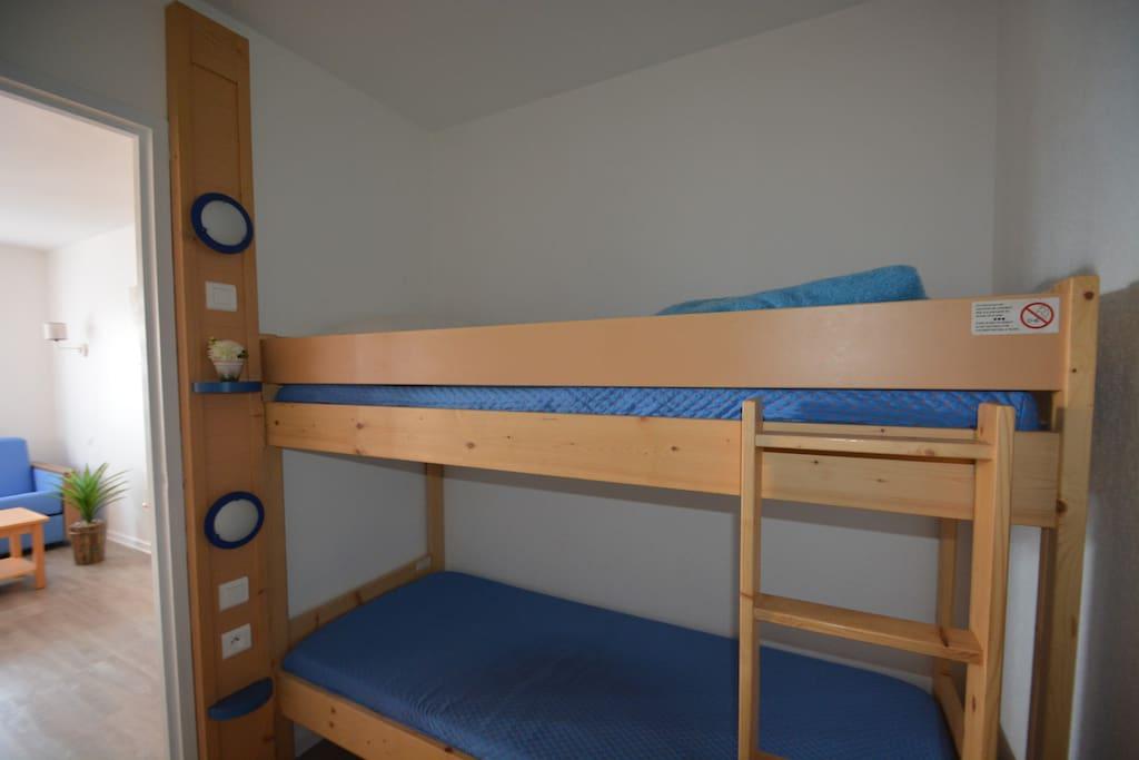 entrée avec lits superposés