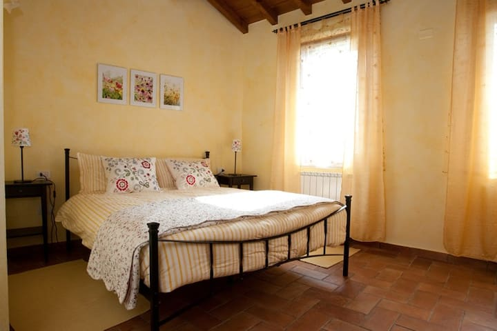 Garda Colline, Camera Quadrupla - Solferino - Bed & Breakfast