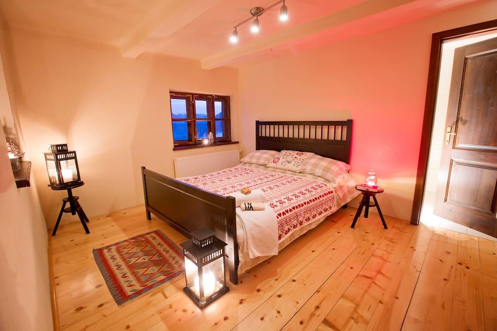 Double bedroom & en suite