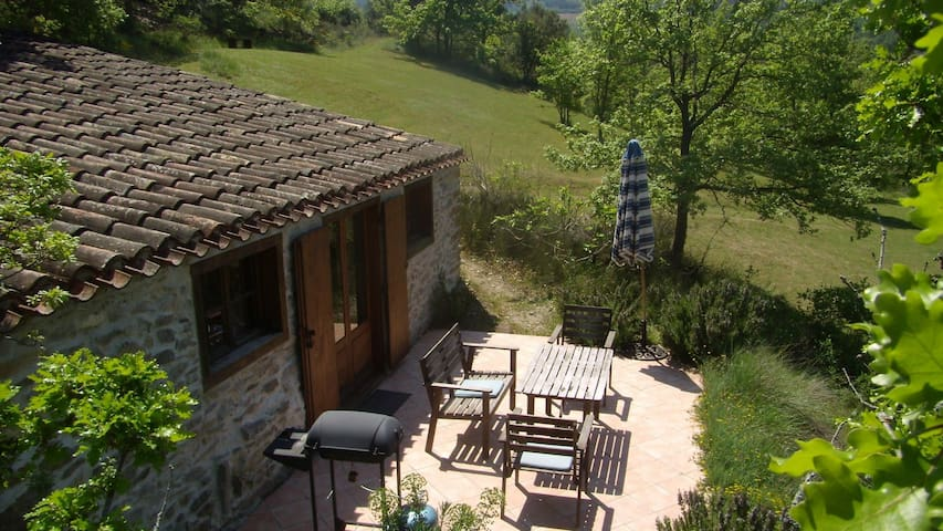 charming Bergerie, heated pool, romantic grounds - Roquetaillade - Huis