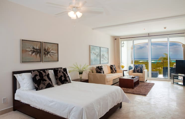 1 BDR with Huge Balcony & Ocean-view! Discount. - Providenciales - Apartment