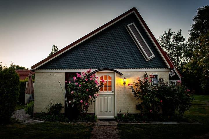 Gemütliches Ferienhaus in Stellendam / Ferienpark