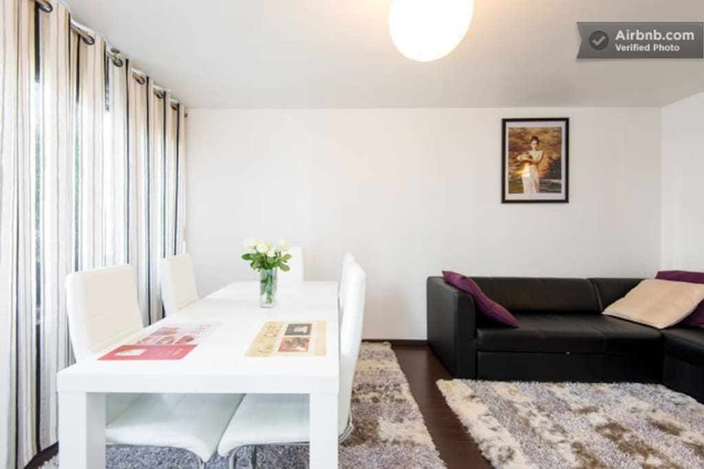Living Room - Big Table