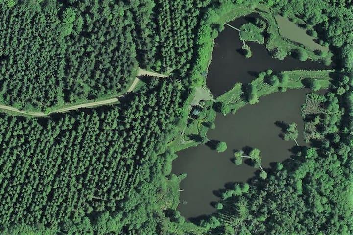 Le site de L'Éphémère de Bourgogne vu du ciel (photo satellite)