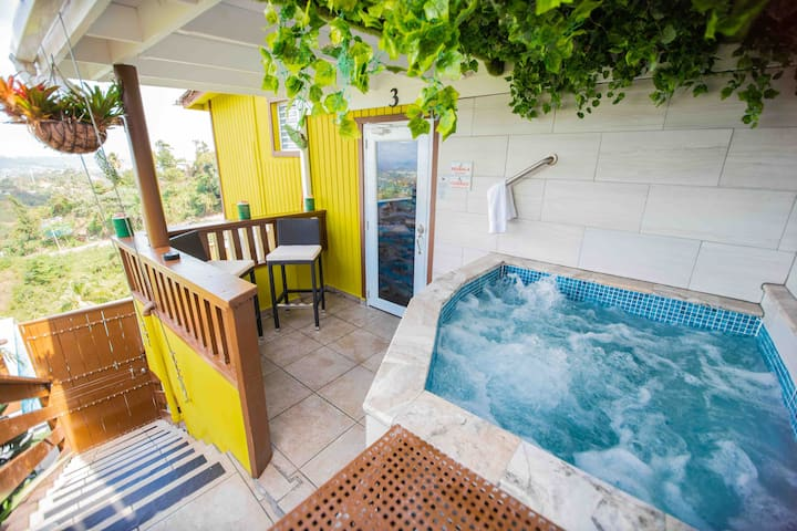 Private Jacuzzi + Panoramic View @ Suite 3