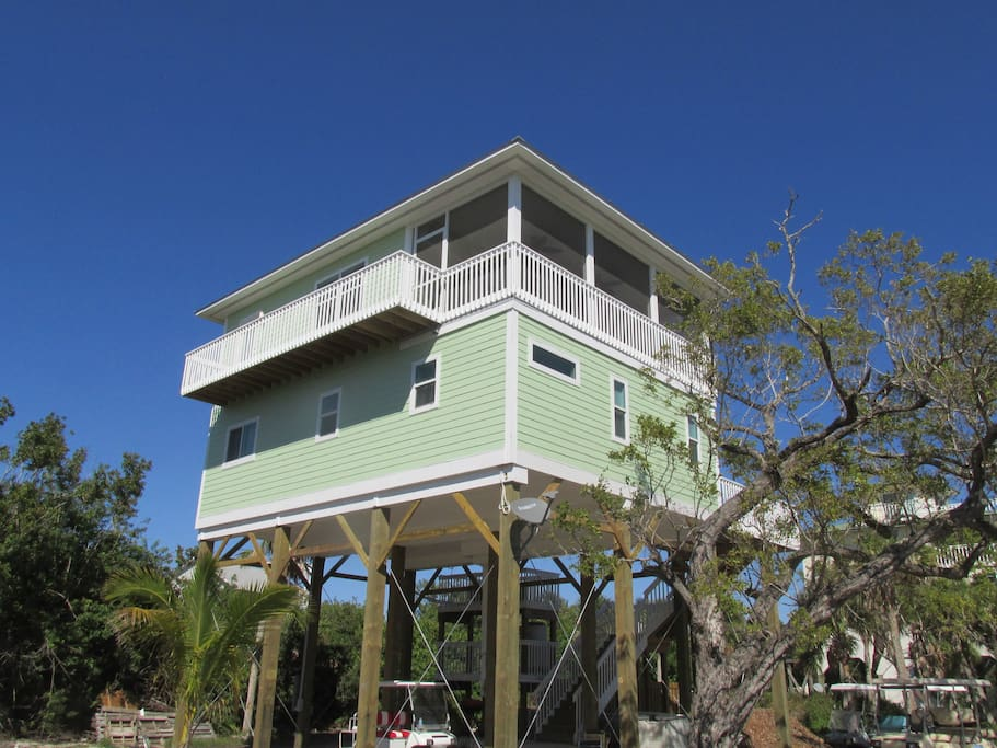 Brand new house on a great location on the island