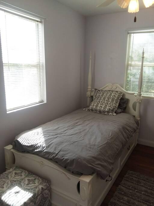 Cozy bedroom!