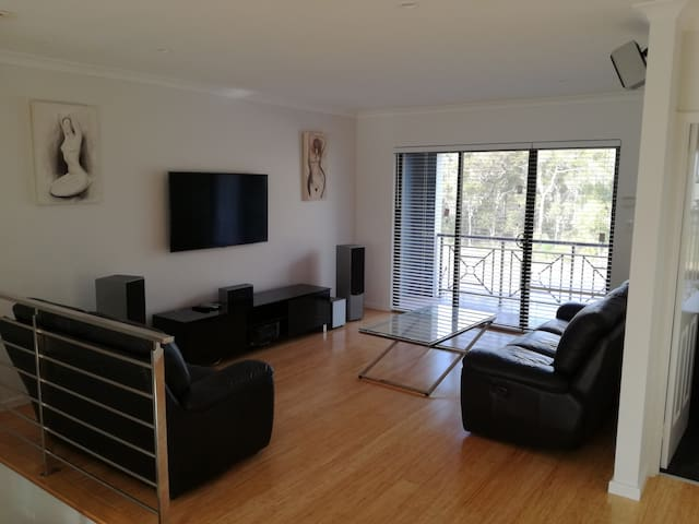 Modern 2 bedroom - Joondalup - Appartement