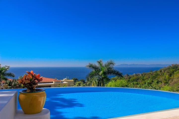 Ocean View, HEATED Pool, Chef & Barman (Sleeps 20)