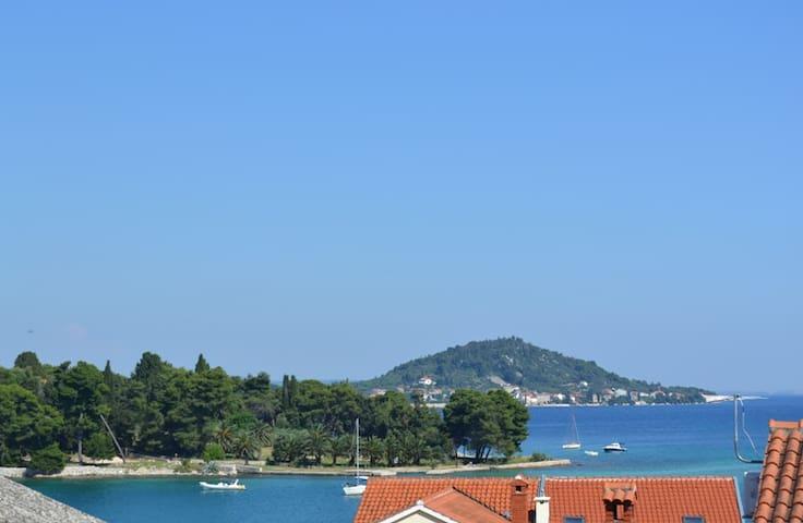 App Capperi 'L' Preko Zadar seaview