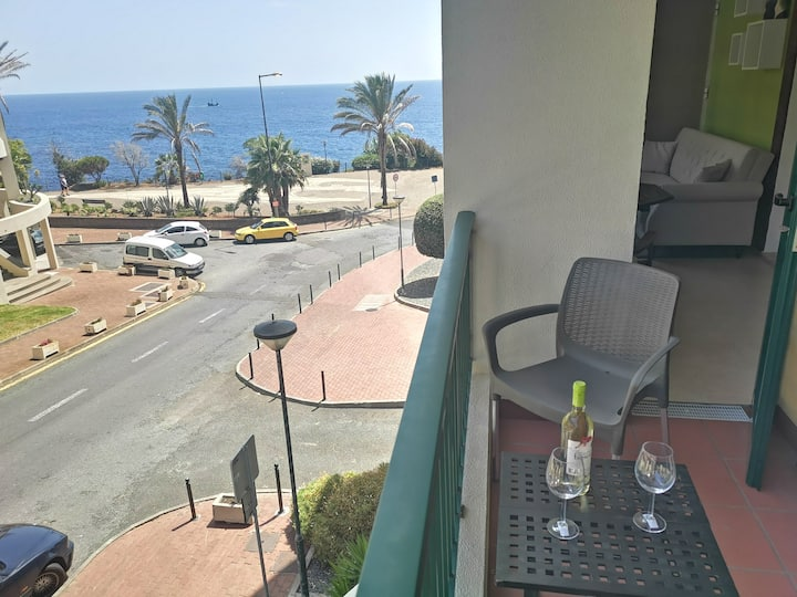 Apartment By the Sea in Funchal 2 at 4 pers.